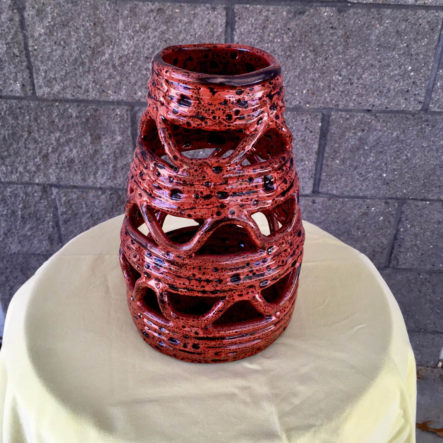 Red coil pot